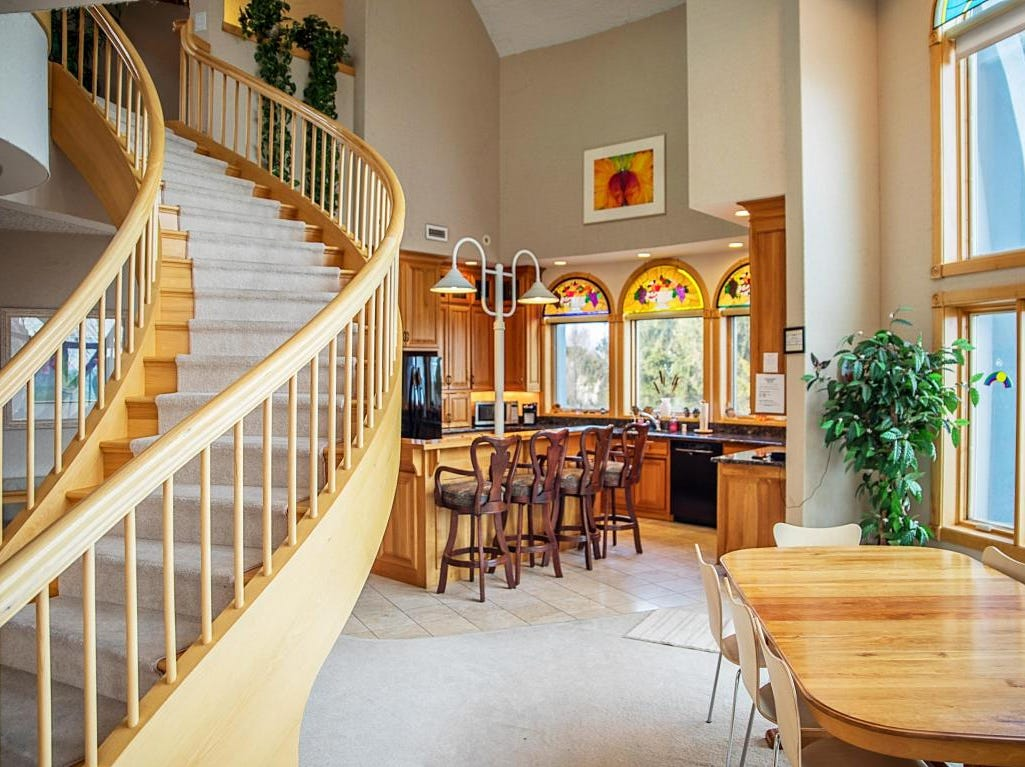 Manitowoc's dome home stairway