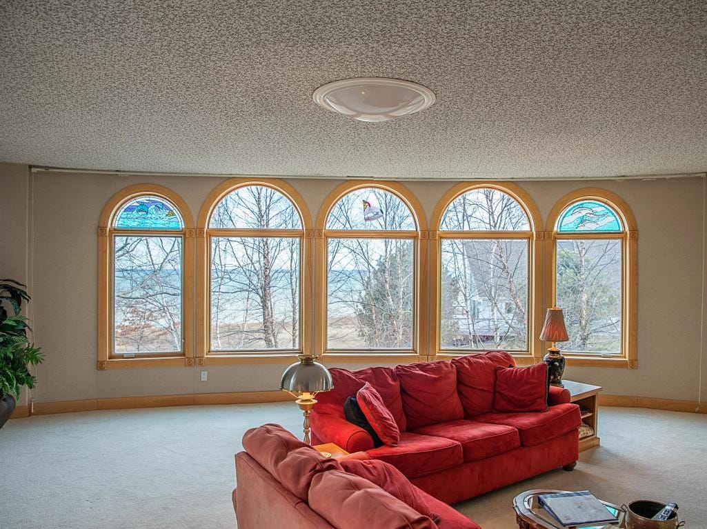 Manitowoc's dome home living space