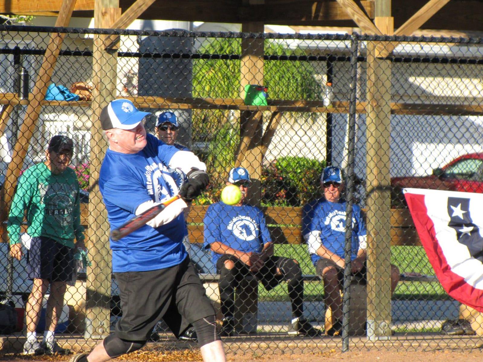 Senior Softball: DaVinci's, Mutual of Omaha Bank, Salty Dogundefeated