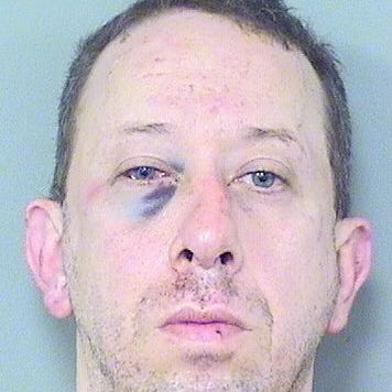 Ex-Titan beats up Florida man he found leering outside of daughter's window: Reports