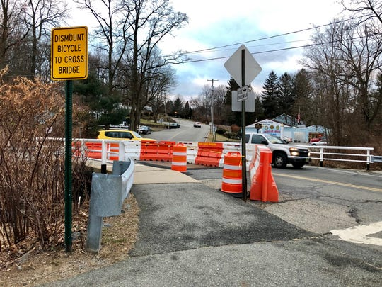 Rockaway Township bridge lane closed due to deteriorating beams.