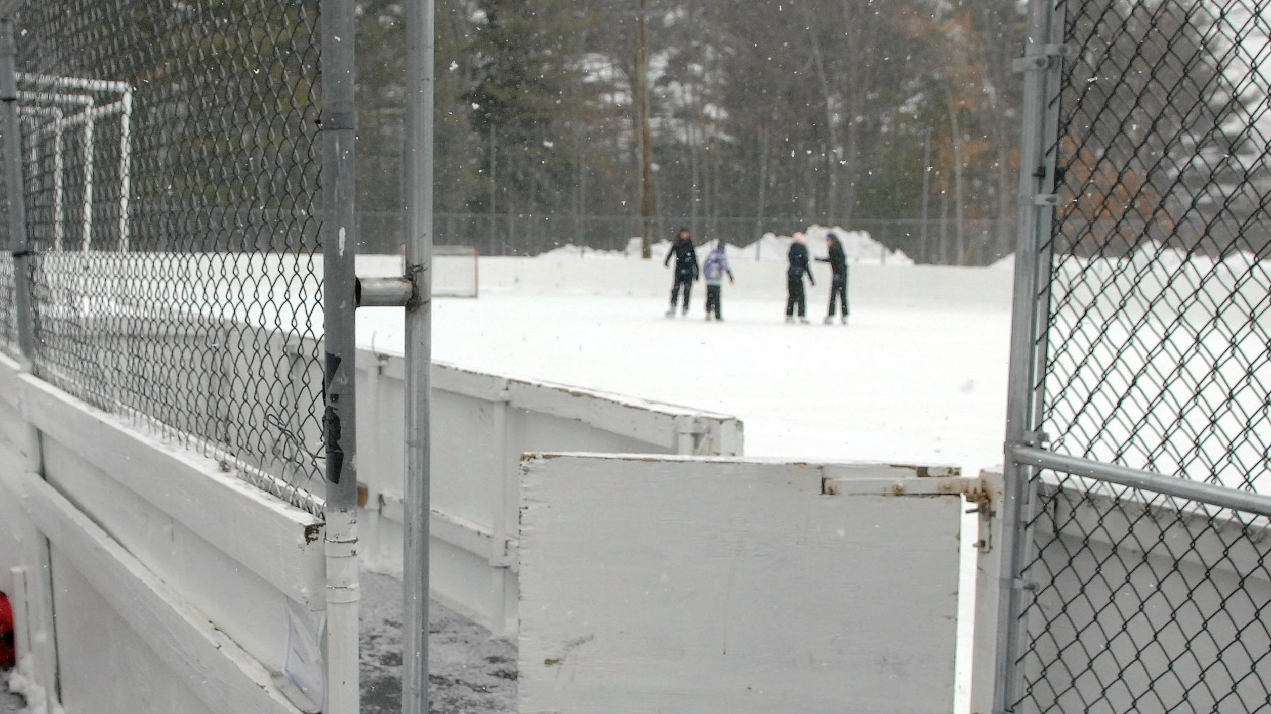Trespassers Wreck Ringwood Nj Ice Rink Causing It To Close For Season