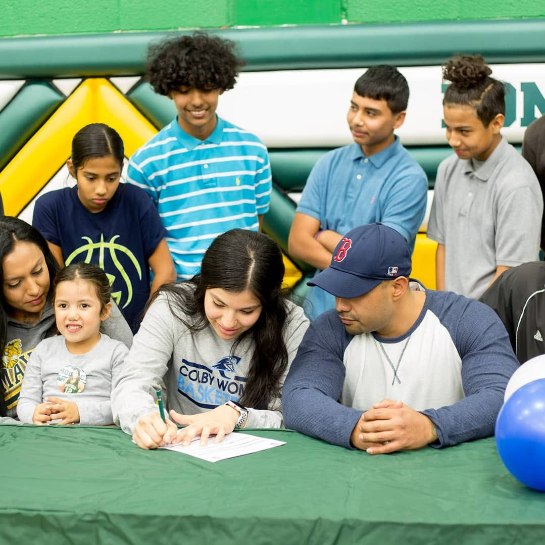 Mayfield's Ruiz signs with Colby Community College