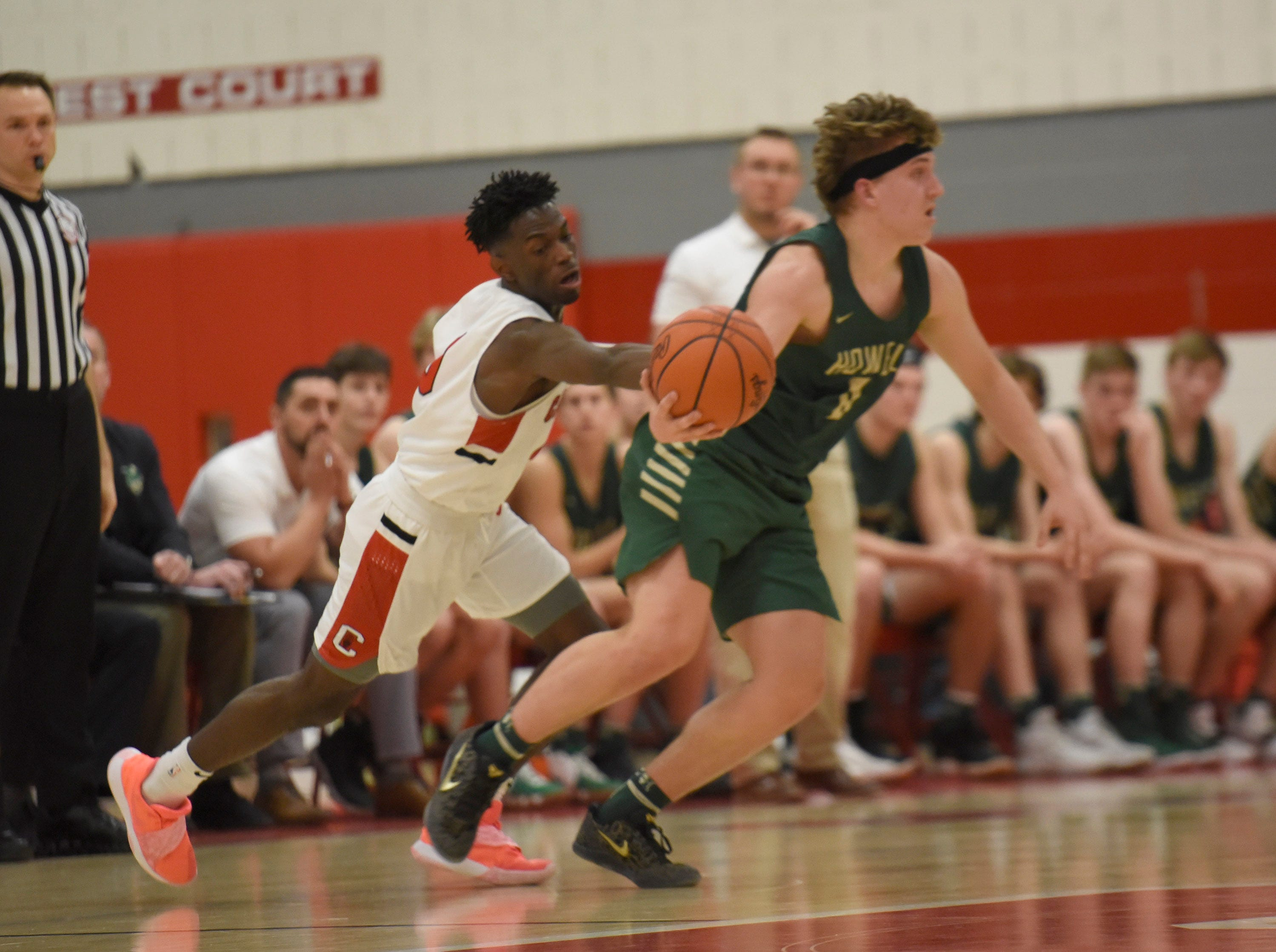 Canton Vinson Sigmon (0) steals the ball from Howell's Josh Palo (0) during a KLAA match up won by Canton 74-62 played at Canton Jan. 15, 2019
