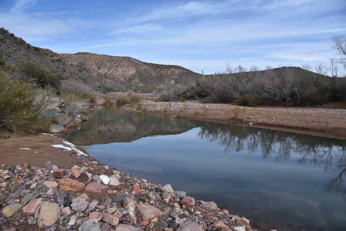 A calm bend in Tonto Creek.