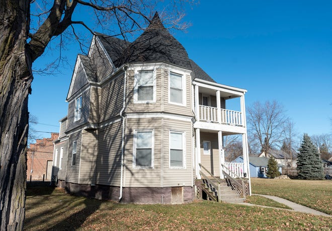 A special use permit was proposed for the house at 1431 Lapeer Avenue, as required under city statute, at the last planning commission meeting, but it was postponed.