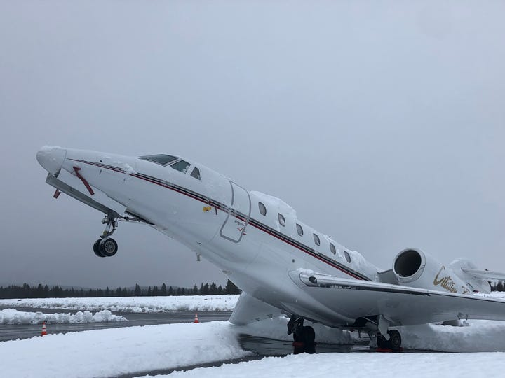 over 16 inches of wet dense snow at the truckee tahoe airport caused a cessna