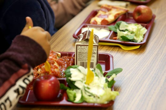 Students eat lunch at Auburn Elementary School in Salem on Wednesday, Jan. 16 2019.