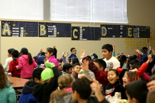 Students eat lunch at Auburn Elementary School in Salem on Wednesday, Jan. 16 2019.