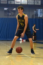 AJ Plitzuweit averaged 14.6 points and 4.1 assists last season for Augustana.