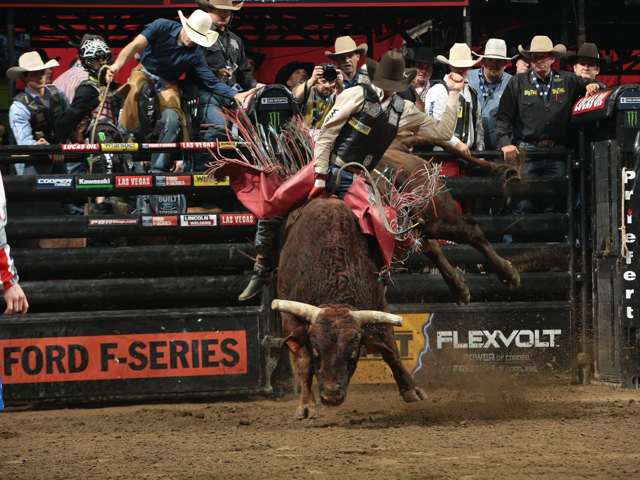 Mason Lowe returns to southwest Missouri to participate in the PBR event at JQH Arena.
