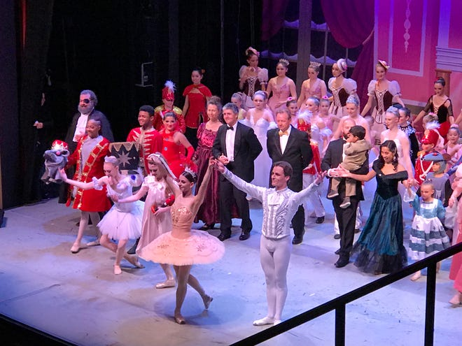 """Florida Arts & Dance Company and Russian Ballet Orlando present """"The Nutcracker"""" at The Lyric Theatre in December 2018."""