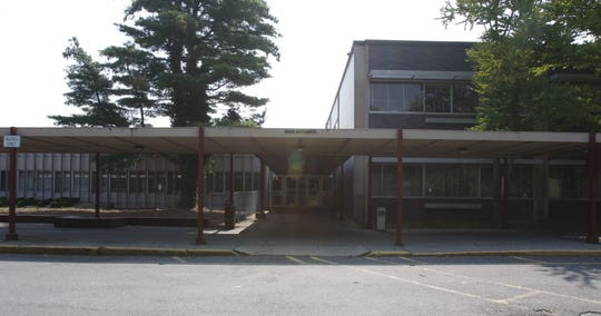 Exterior of Mount Vernon High School. August 10, 2009.