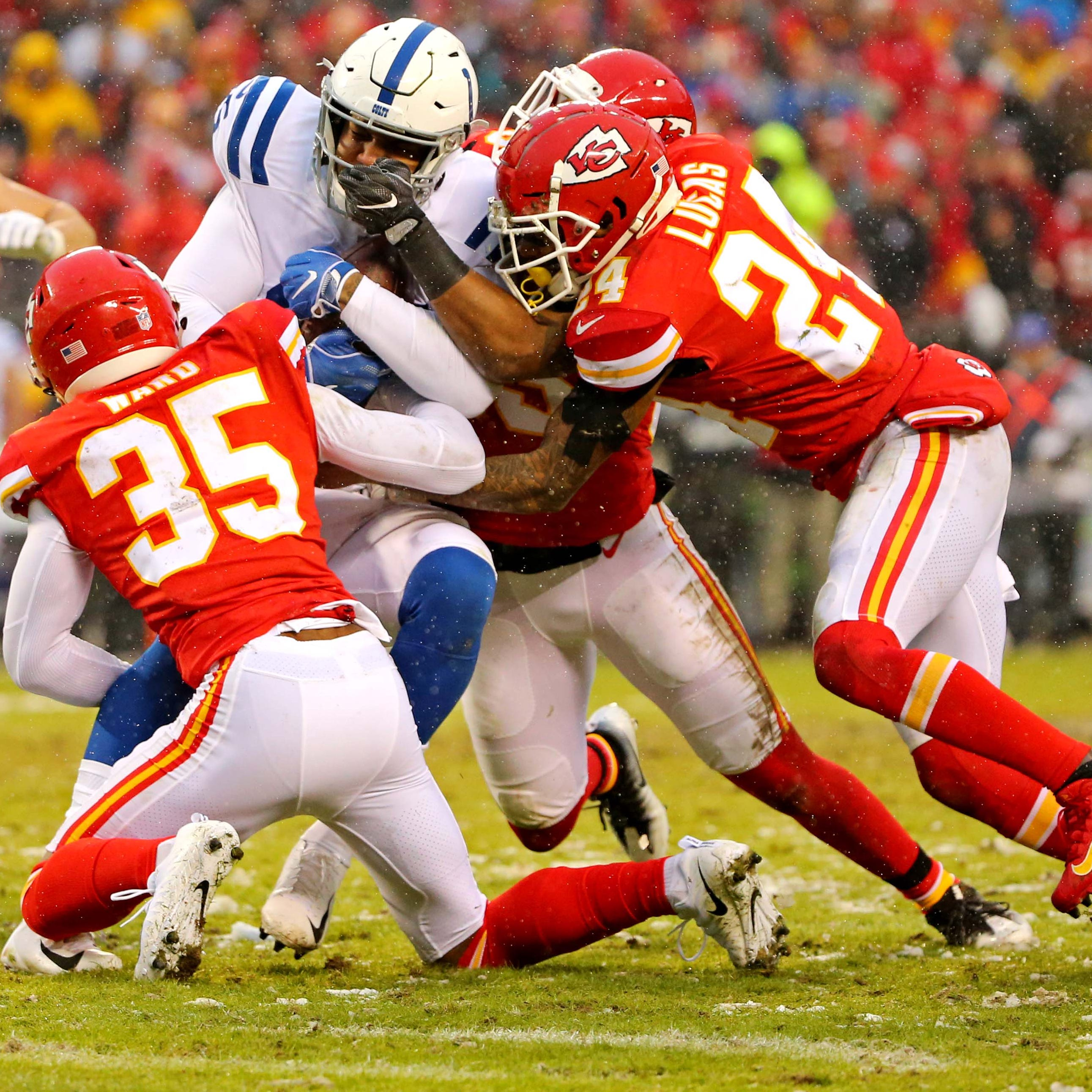 Opinion: Awful all year, Kansas City Chiefs' defense finds groove with Patriots looming