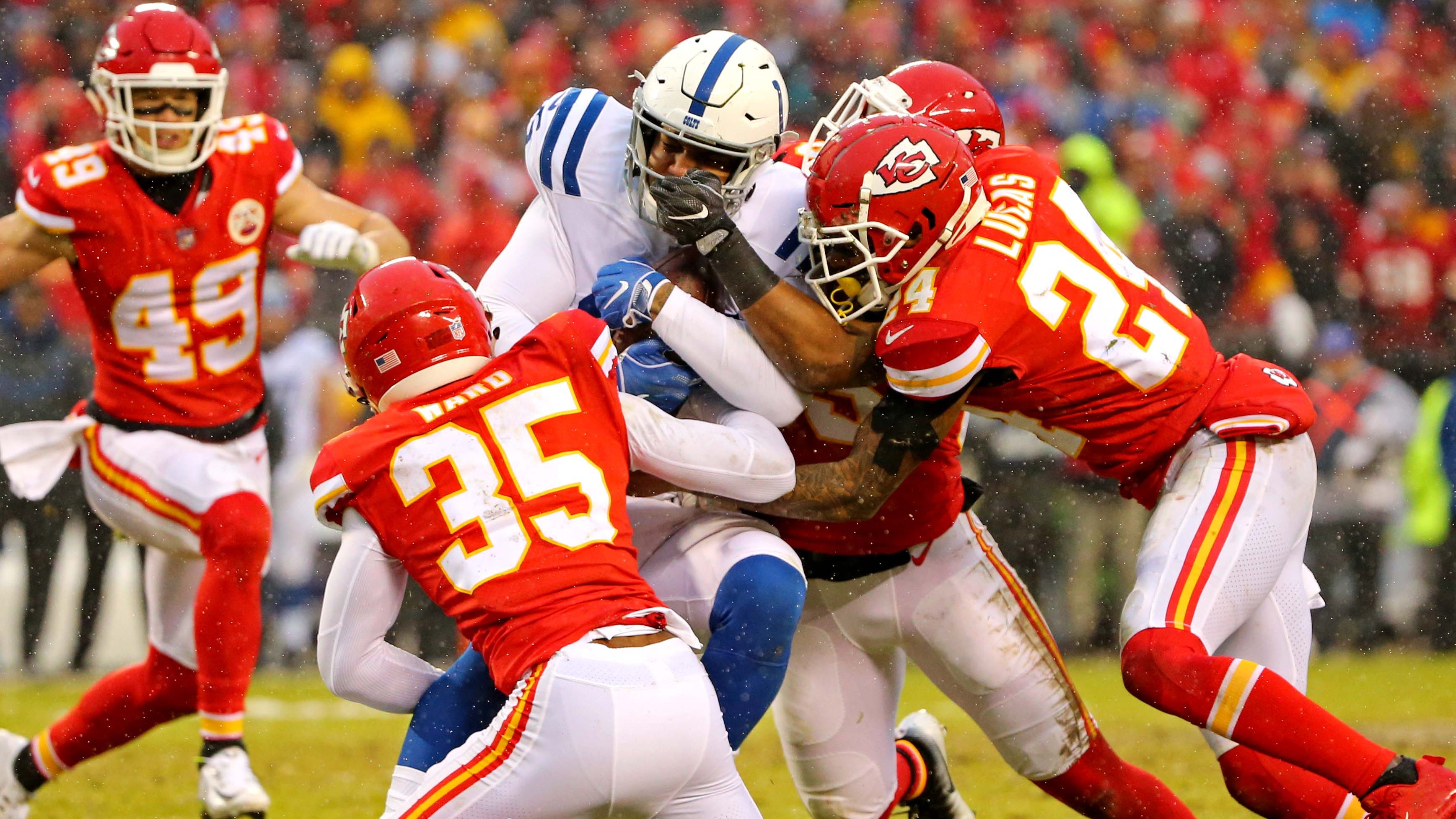 5f51cd11-7272-429c-b5dc-807cedfc8361-chiefs_usp_nfl__afc_divisional_playoff-indianapolis_colts_2