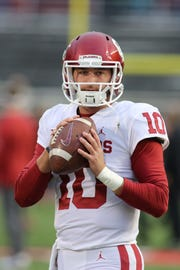 Former Oklahoma Sooners quarterback Austin Kendall will transfer to West Virginia and be immediately eligible to play.