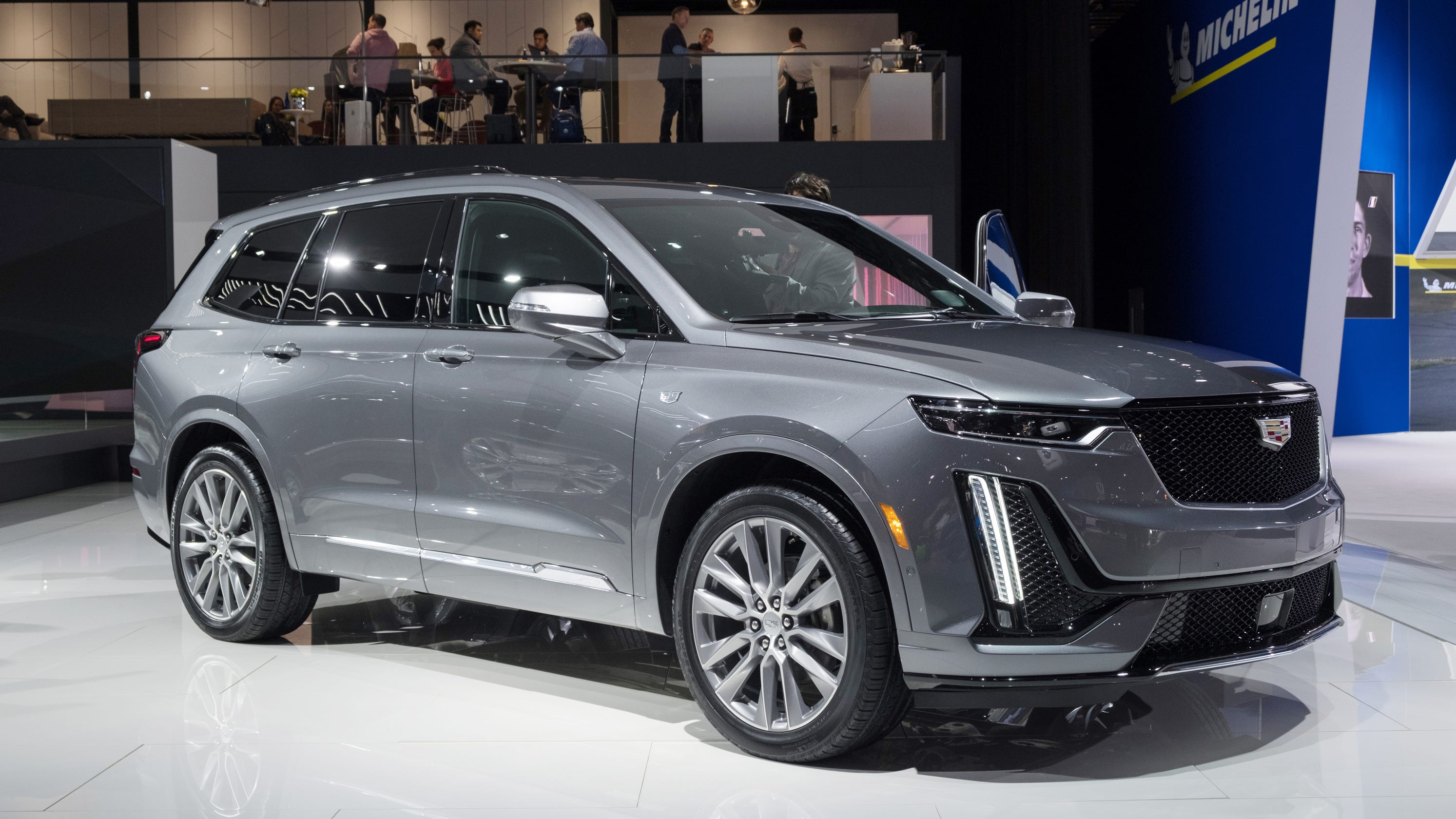Luxury Vehicle: Detroit Auto Show: Cadillac Thirsts For Revival In Luxury