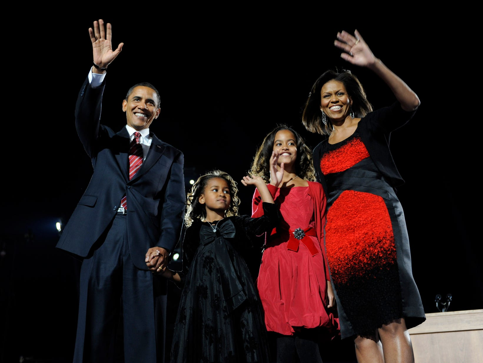 11/4/08 10:58:03 PM -- Chicago, IL, U.S.A  -- Democratic Presidential candidate Illinois Senator Barack Obama celebrates his victory over Republican nominee John McCain with his wife Michelle Obama and daughters Sasha and Malia Obama during election night victory celebration at Chicago's Grant Park. --    Photo by Jack Gruber, USA TODAY Staff  ORG XMIT: JG 35342  11/3/2008  (Via MerlinFTP Drop)
