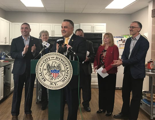 Mayor Rich David announced Thursday that plans are underway for a new grocery to open in Canal Plaza by the fall of 2020.
