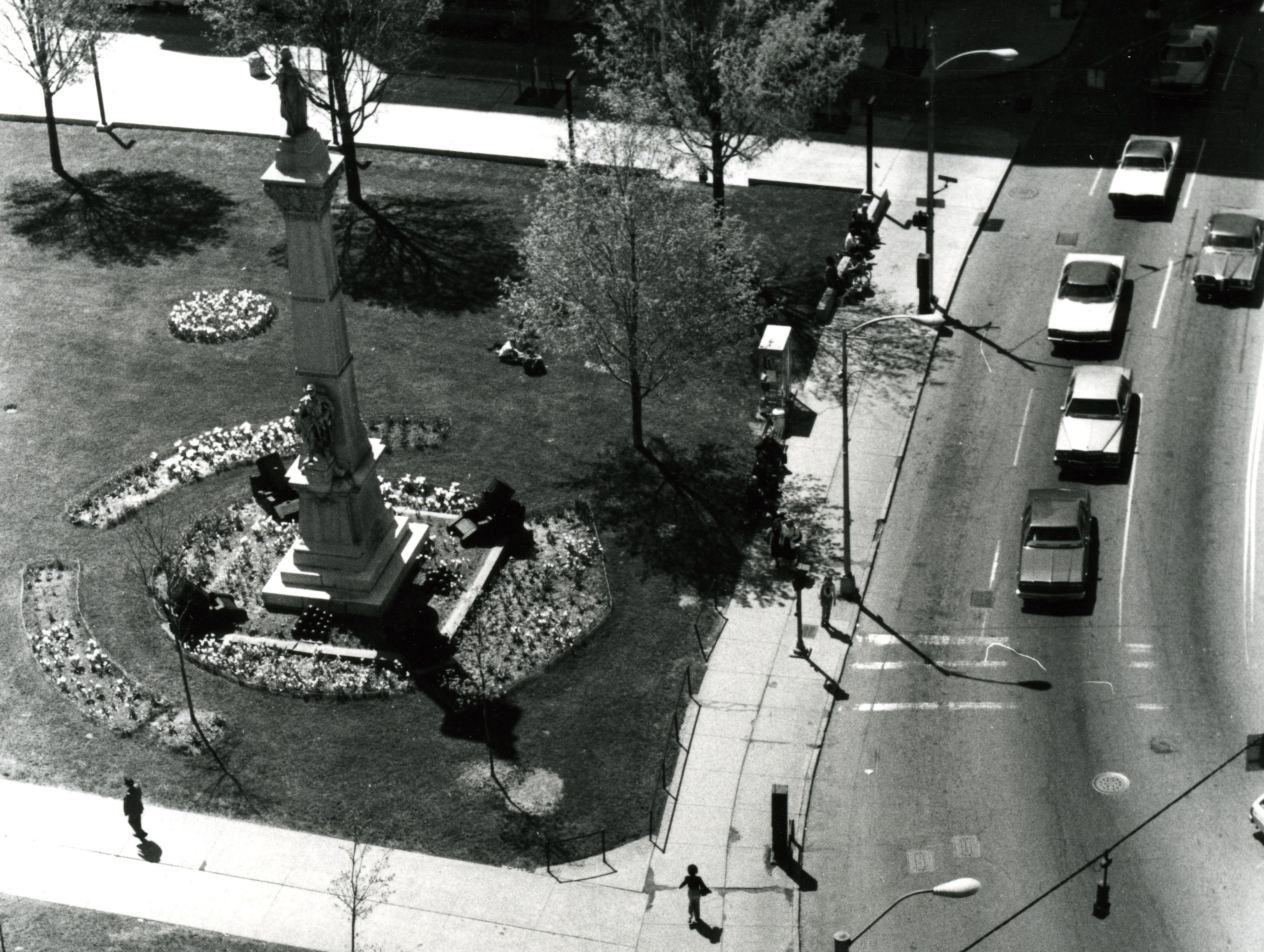 A birds-eye view of the front of Courthouse Square, about 1960.