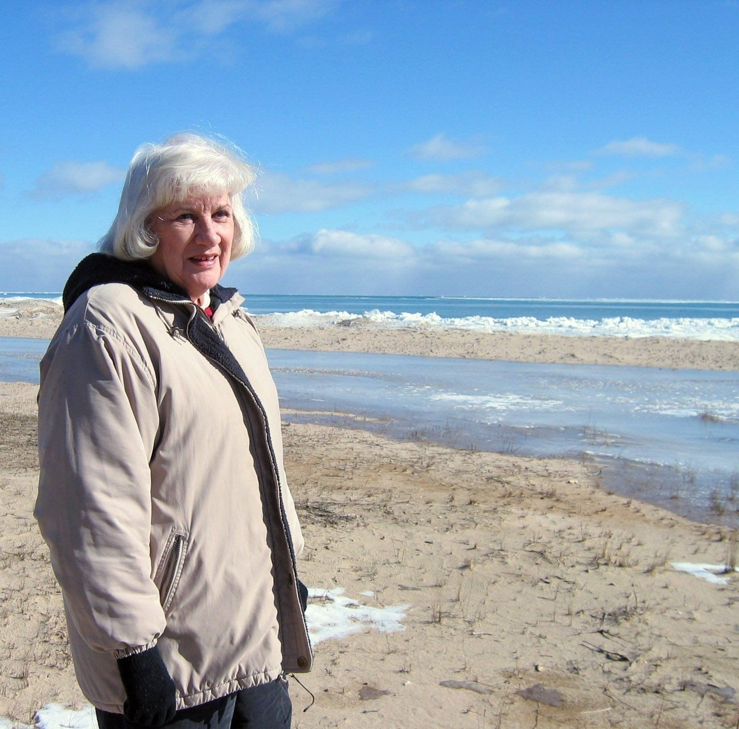 Let's not let property owners kill Great Lakes beach-walking tradition