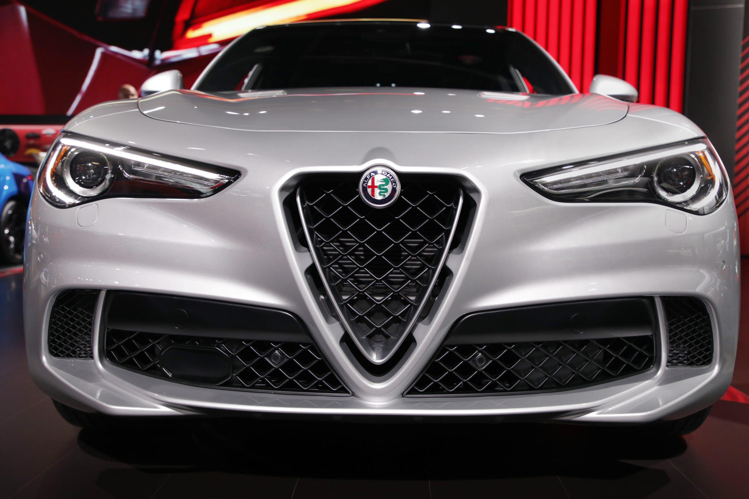 Fiat Chrysler S Grand Plans For Alfa Romeo Have Dimmed