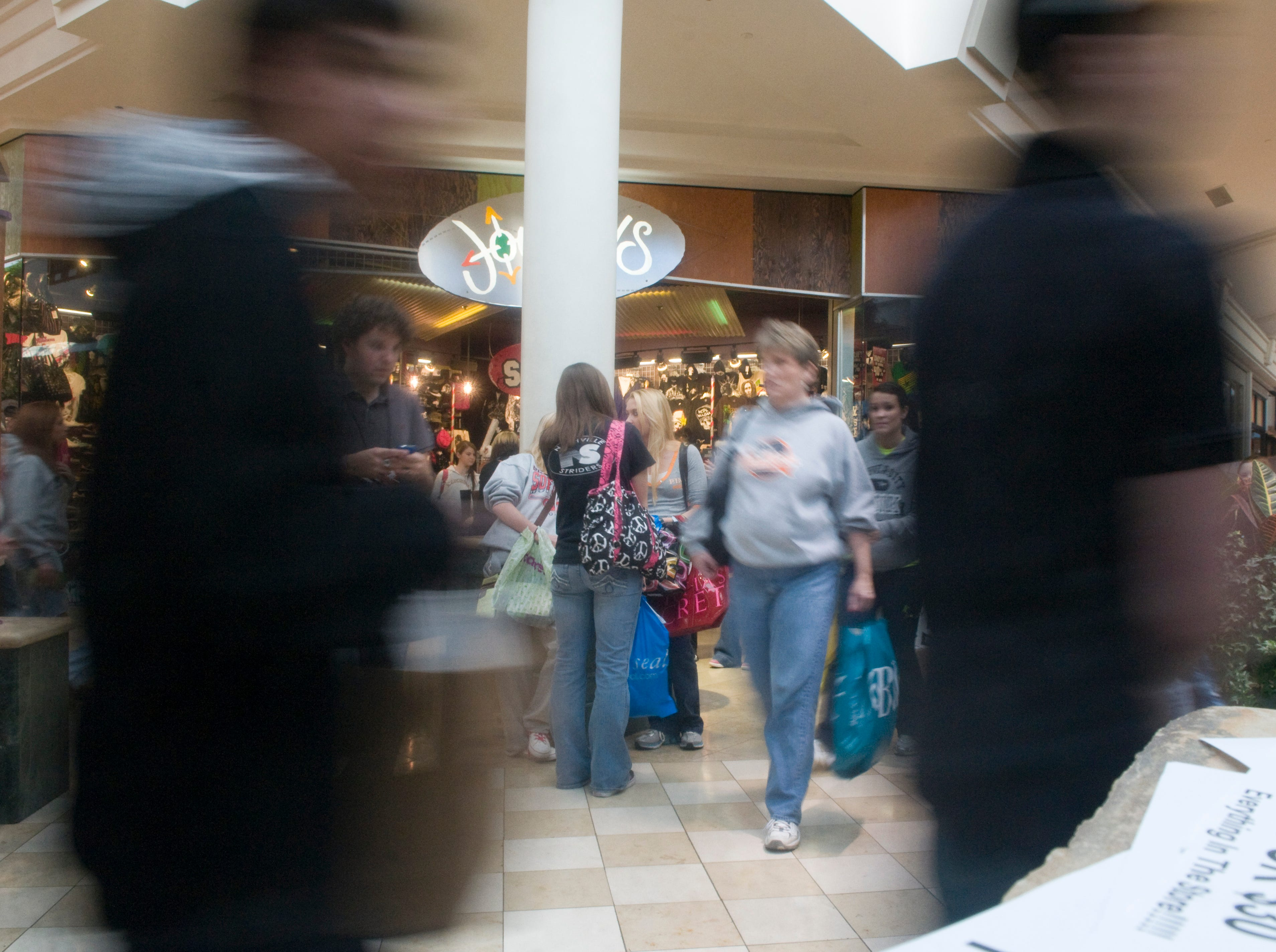 Black Friday shoppers are a blur as they move through West Town Mall the day after Thanksgiving.Coverage of Black Friday shopping. Here's Josh Flory's schedule: Best Buy, Turkey Creek. The store opens at 5:00, but I'd like to be there a little early to get interviews while people stand in line. 6:30 a.m. @ Toys R Us. 7:30 a.m. @ West Town Mall. 9:00 a.m. @ Knoxville Center Mall. You don't have to photograph all these places but you have clearances from all.Friday, November 27, 2009