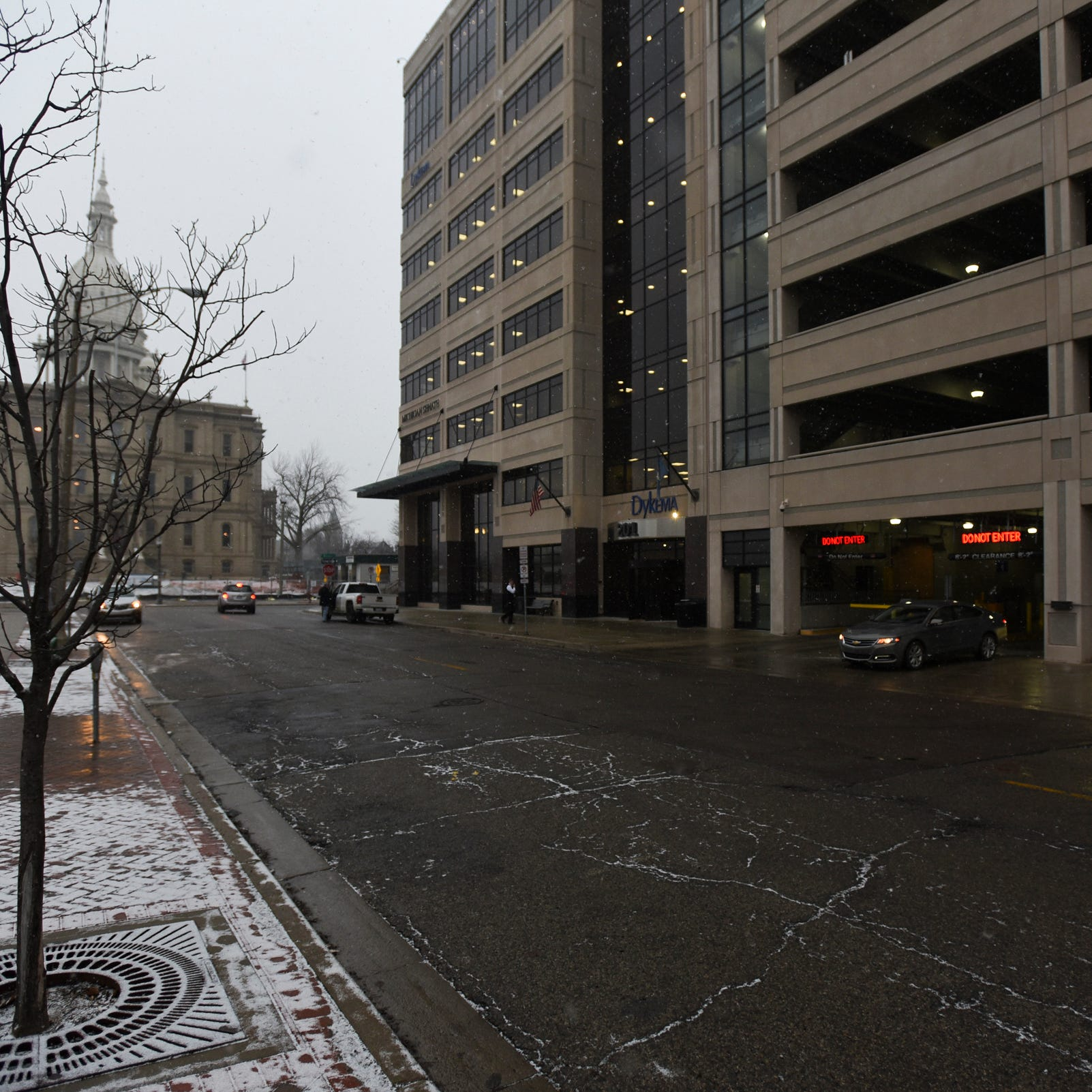 Lansing wants to sell parking garage to the Michigan Senate for $18 million