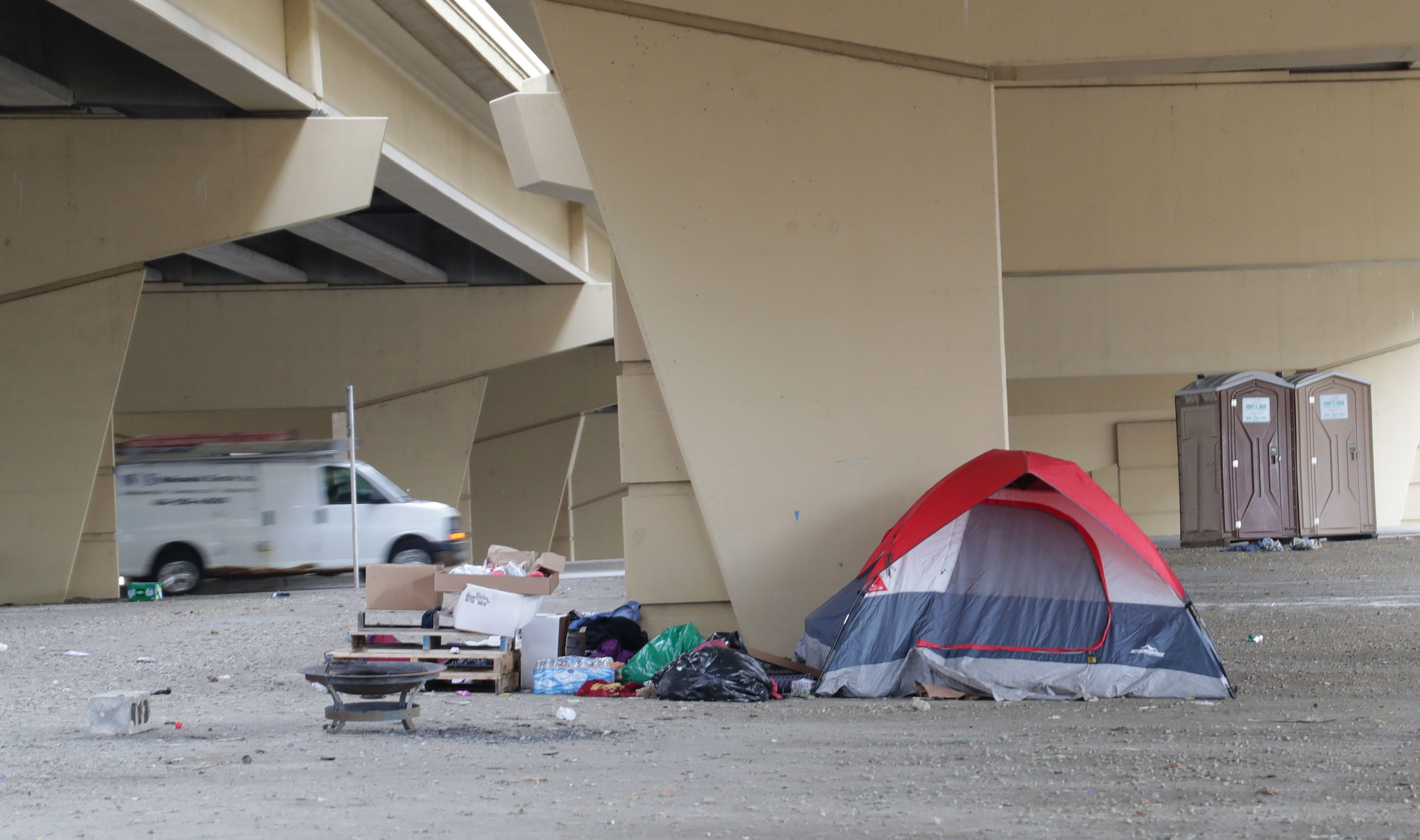 Downtown Milwaukee homeless encampment known as Tent City almost cleared out   Milwaukee Journal Sentinel