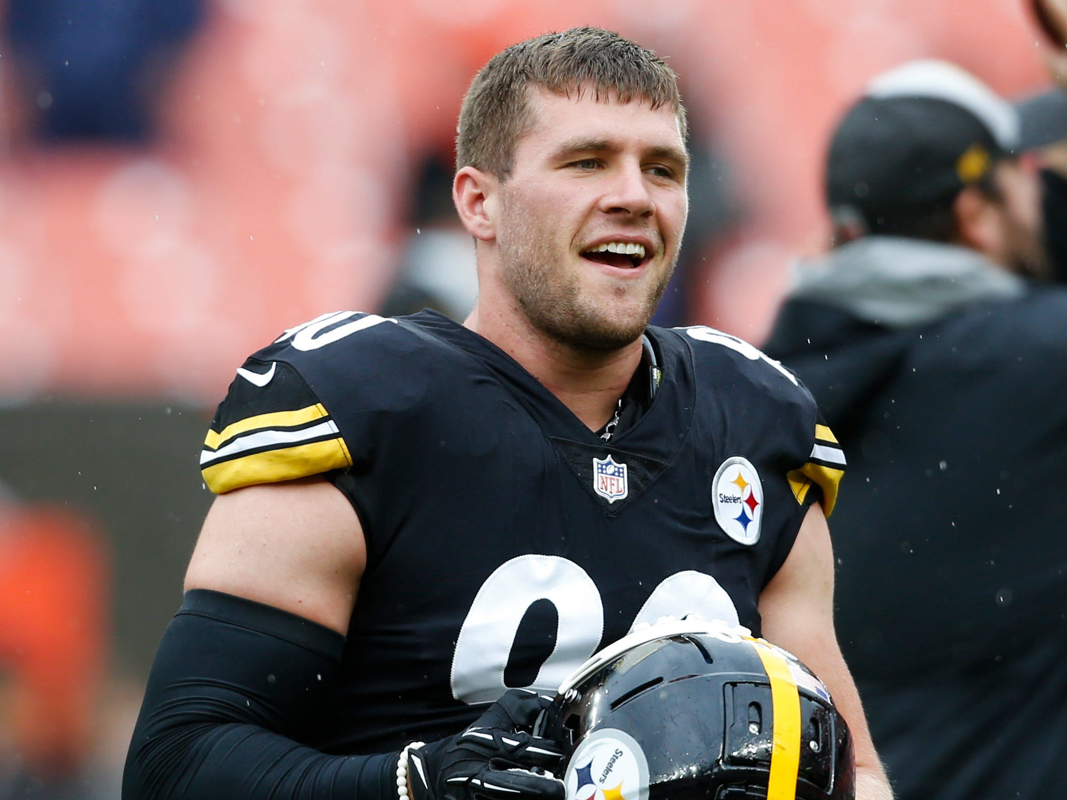 Pittsburgh Steelers linebacker T.J. Watt warms up before a Week 1 game against the Cleveland Browns on Sunday, Sept. 9, 2018. Watt had three sacks in the game.