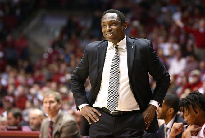 Jan 12, 2019; Tuscaloosa, AL, USA; Alabama Crimson Tide head coach Avery Johnson during the first half against the Texas A&M Aggies at Coleman Coliseum. Mandatory Credit: Marvin Gentry-USA TODAY Sports
