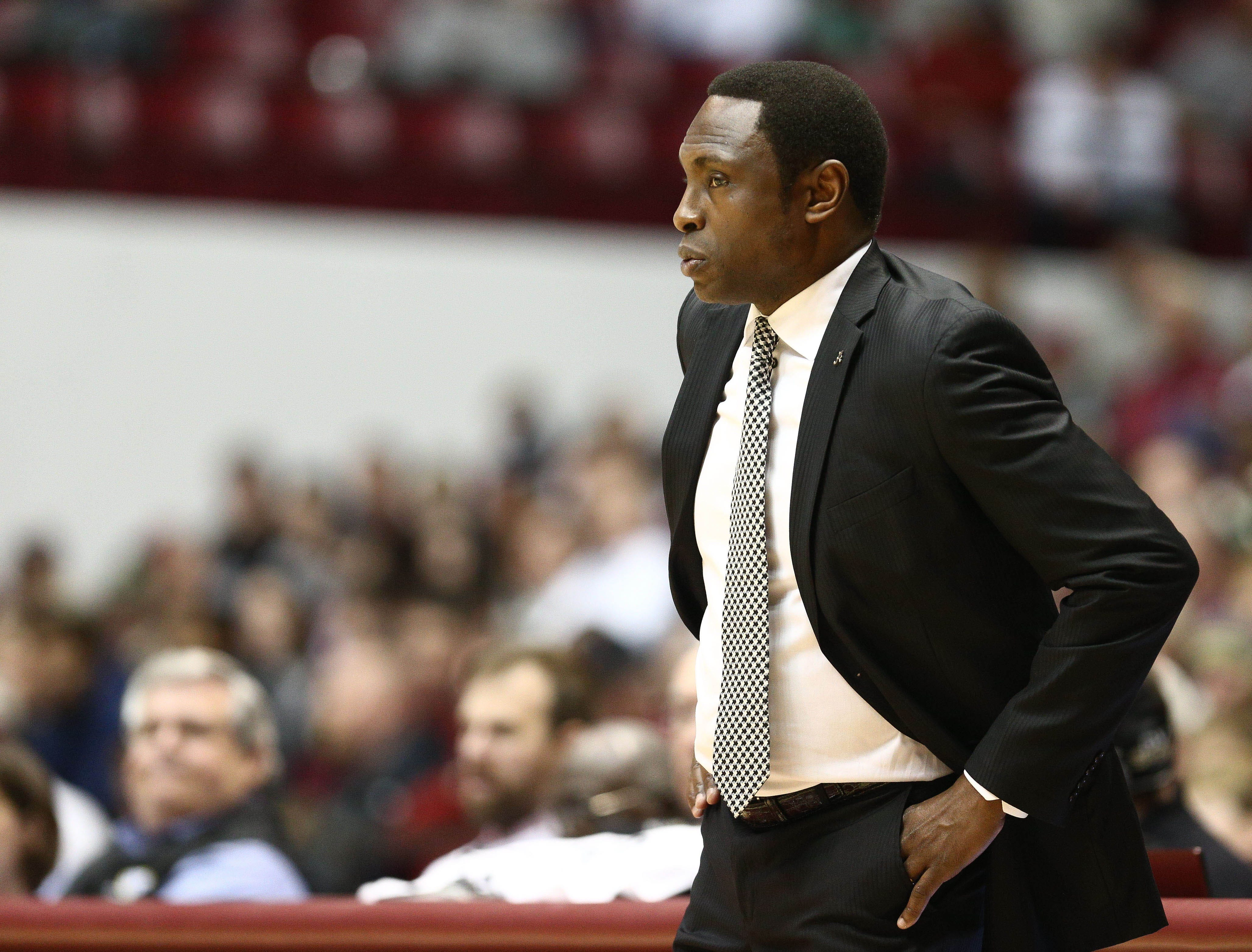 Jan 12, 2019; Tuscaloosa, AL, USA; Alabama Crimson Tide head coach Avery Johnson during the second half against Texas A&M Aggies at Coleman Coliseum. Mandatory Credit: Marvin Gentry-USA TODAY Sports
