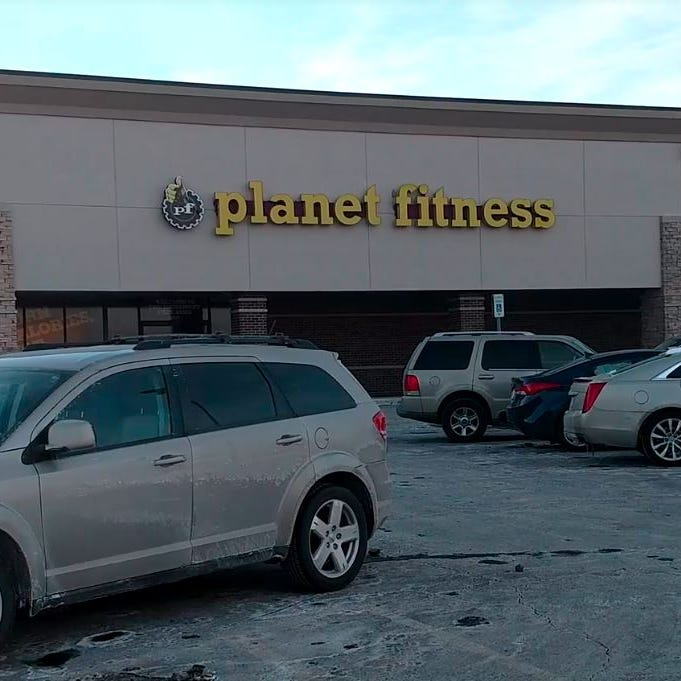 Vehicles targeted for break-in at Planet Fitness in Livonia