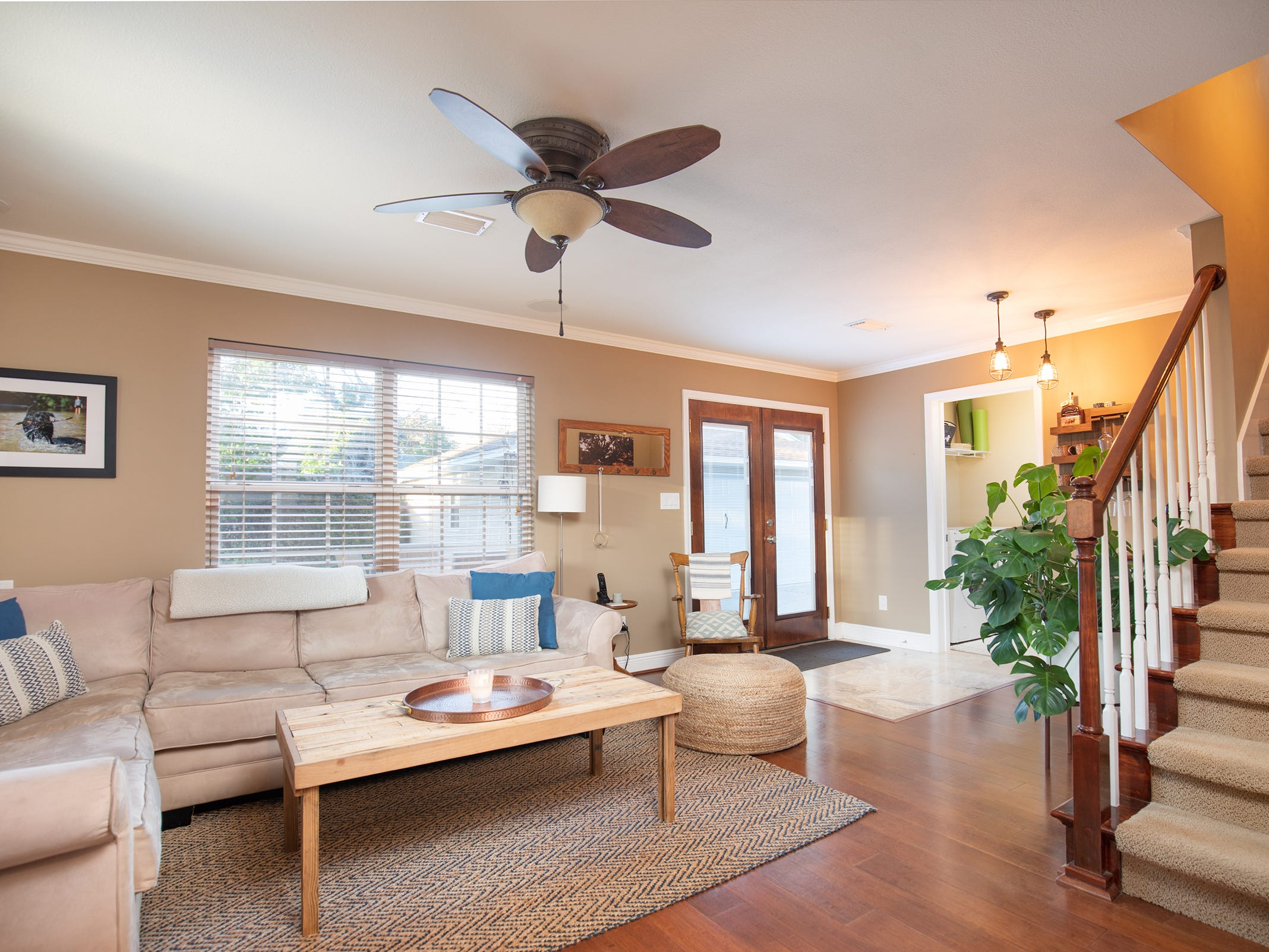 1516 East Brainerd St.An additional living area with access to the pool deck.