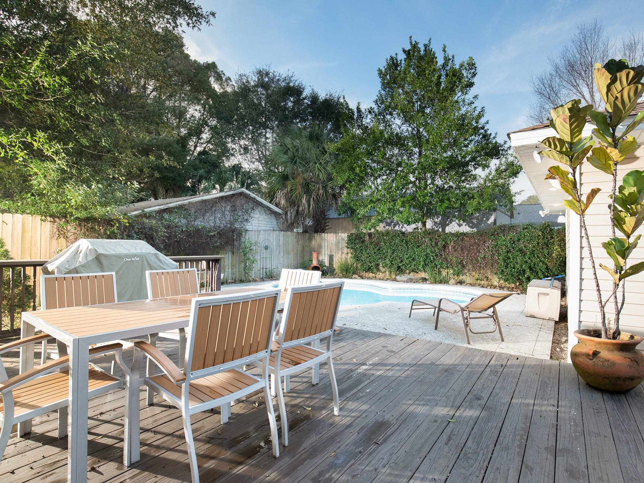 1516 East Brainerd St.The pool deck is perfect for gatherings.