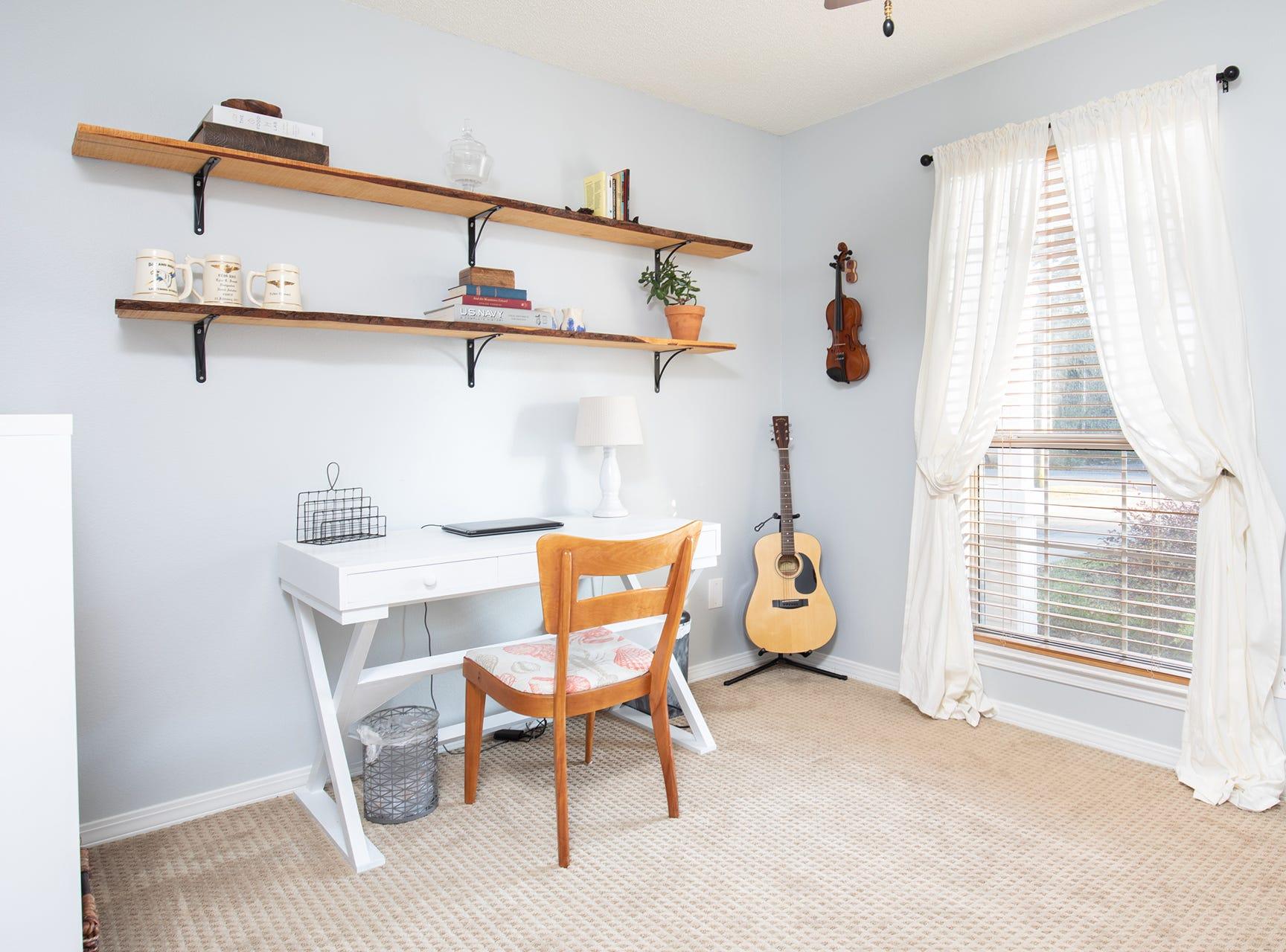 1516 East Brainerd St.An additional bedroom.