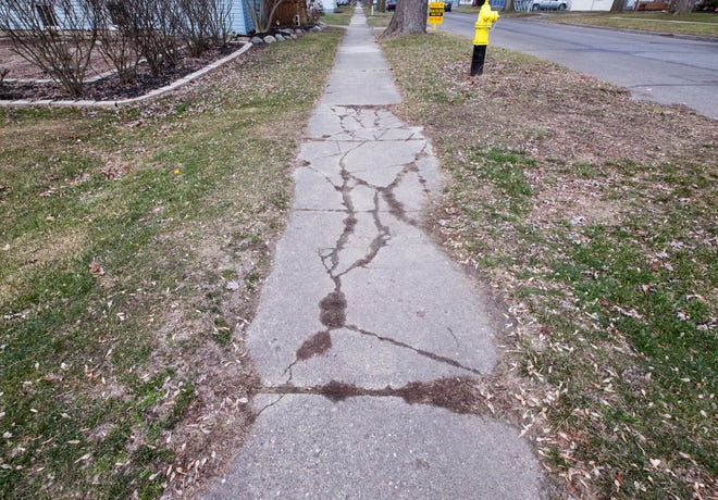 Description:The final phase of sidewalk improvements in Marine City is starting this spring.