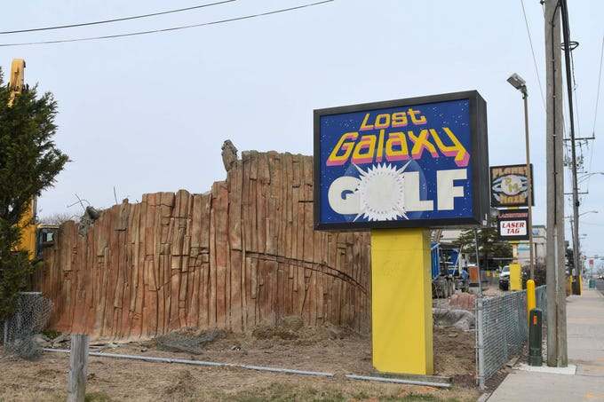 Lost Galaxy Golf and Planet Maze is being razed on Thursday, Jan 17, 2019 to make way for a new hotel.