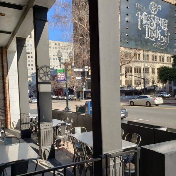 'Drink a beer, bite a 'dog' on this new patio on Texas Street