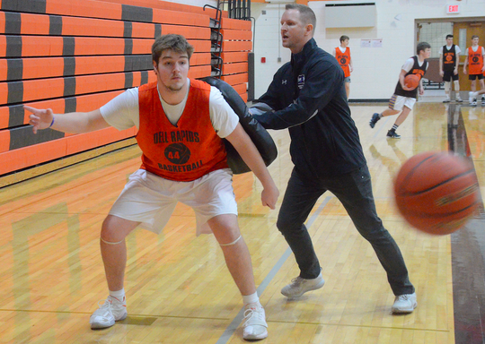 Logan Heim practices at the Dell Rapids gym on Wednesday, Jan. 16.