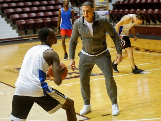 Shadow Mountain head coach Mike Bibby runs his team's practice before the Tournament of Champions on Wednesday, Jan. 16, 2019.