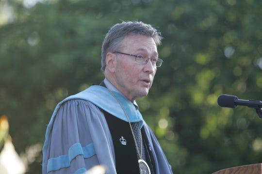 Joseph Hankin, former president of Westchester Community College, addressing the 2010 graduating class. Hankin died Jan. 16.