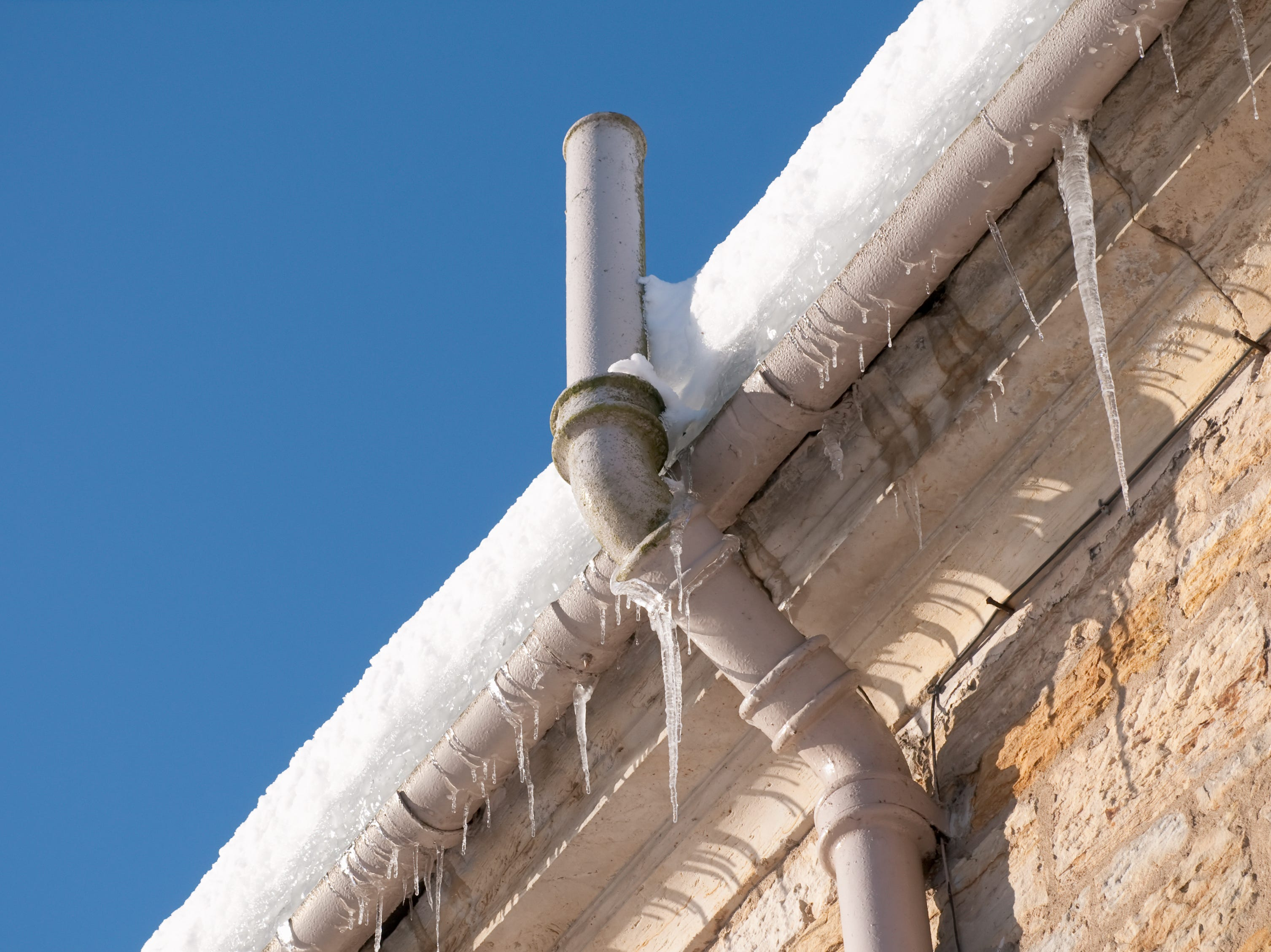 Frozen pipes: How to prevent pipes from freezing, thaw frozen pipes