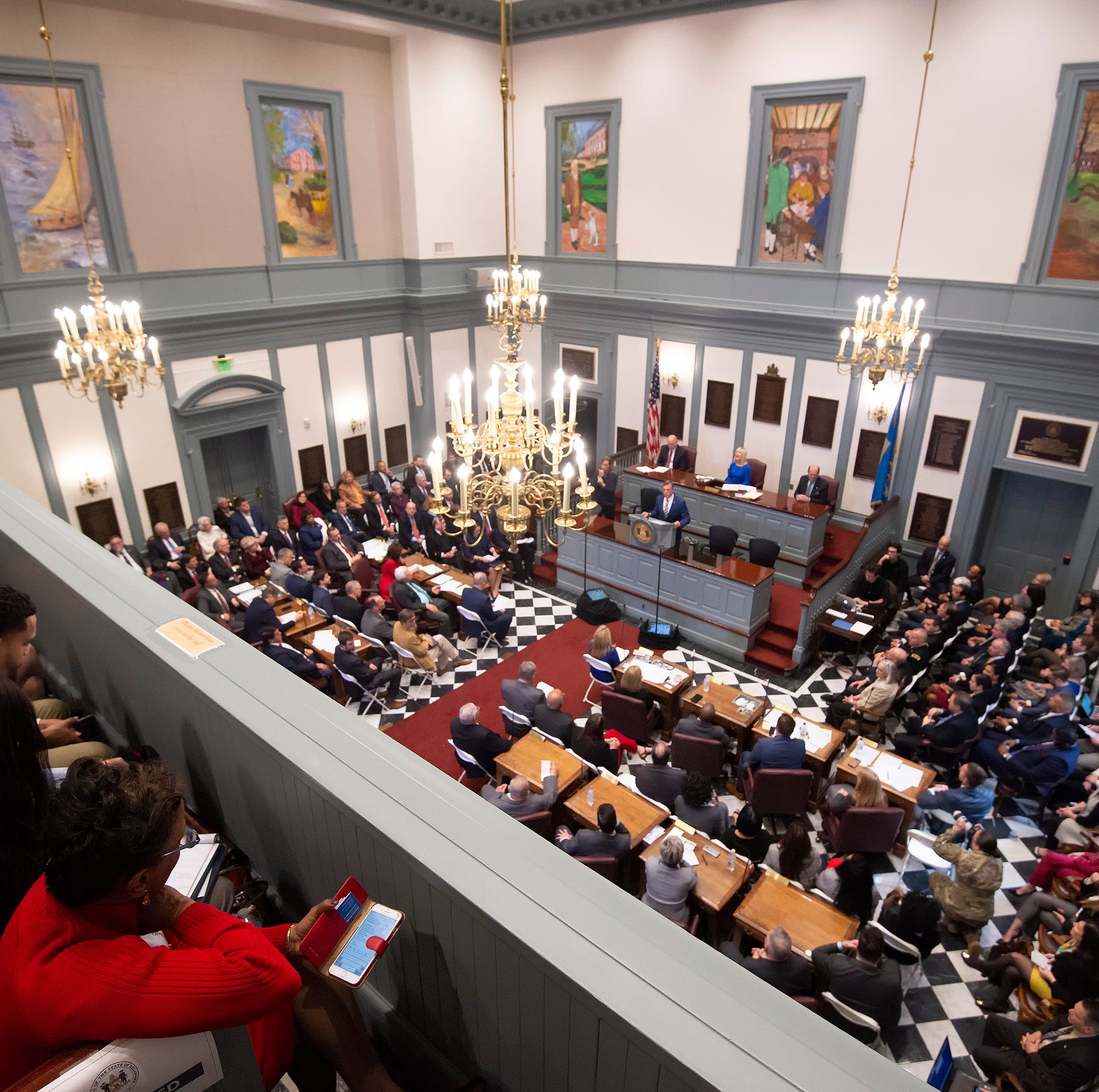 Delaware Senate approves one bill to help federal workers, rejects another
