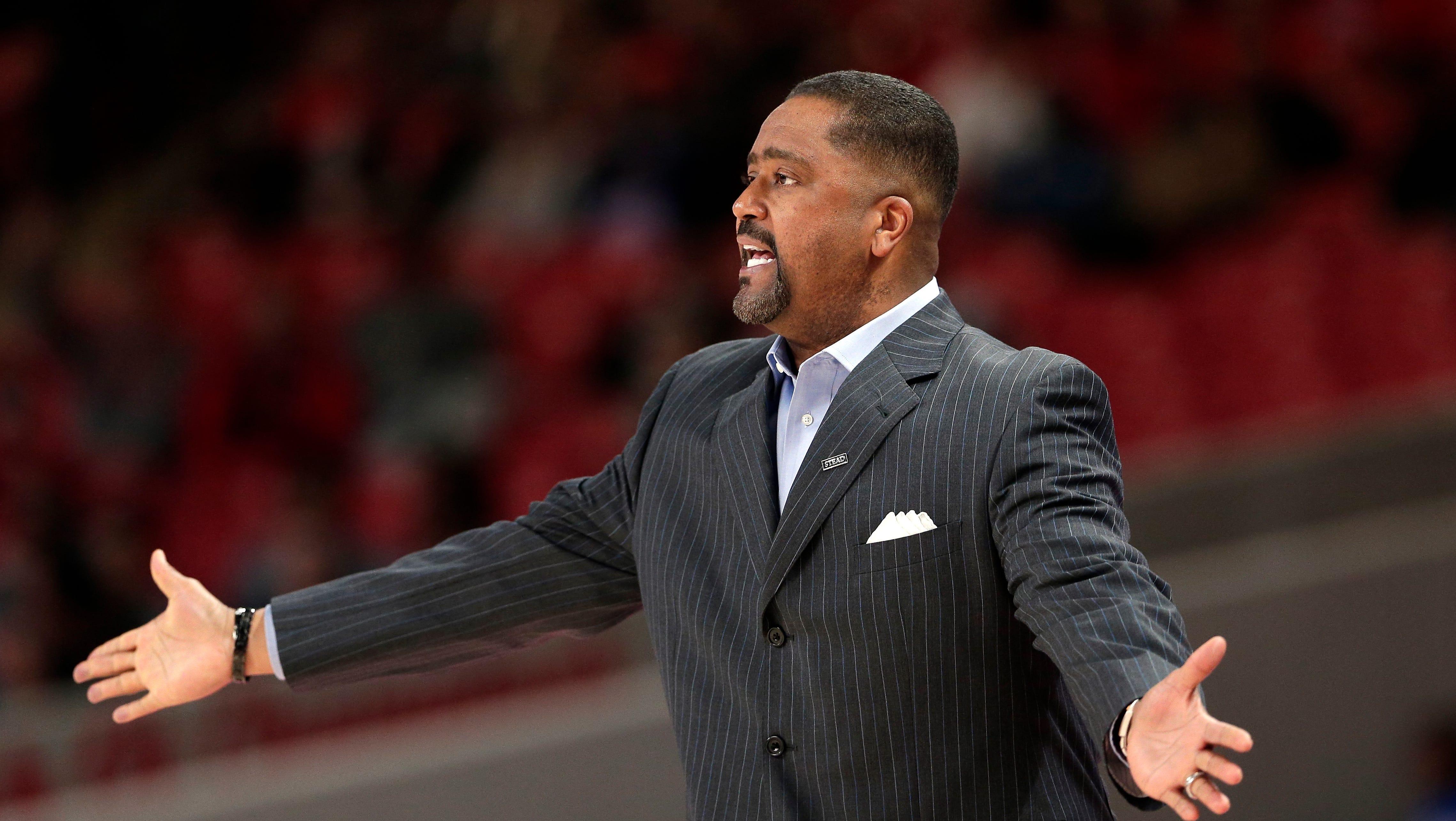 Tulsa coach Frank Haith reacts to a foul call. (AP Photo/Michael Wyke) ORG XMIT: TXMW112