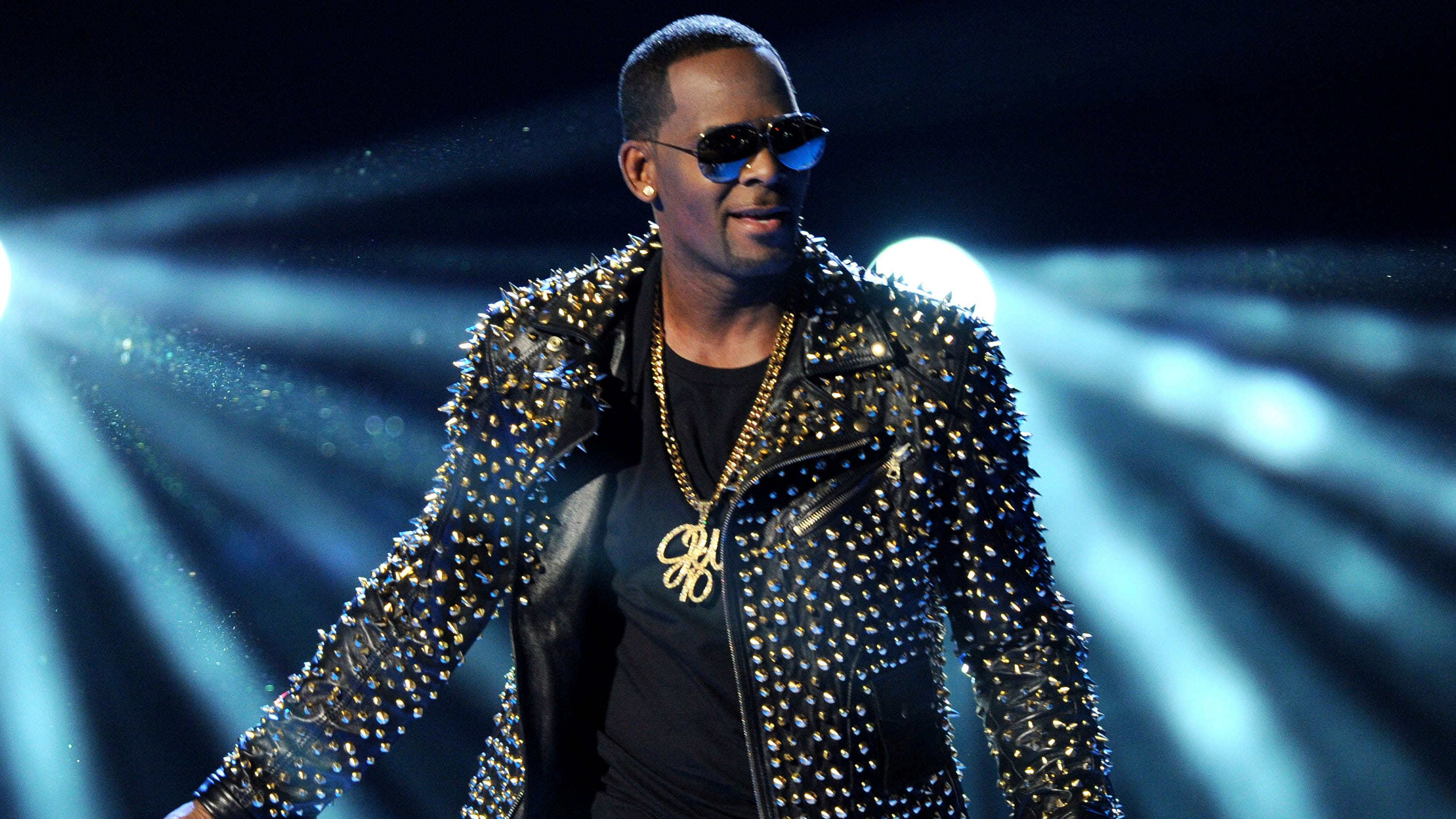 Pursuing R  Kelly: Could he end up convicted like Bill Cosby?