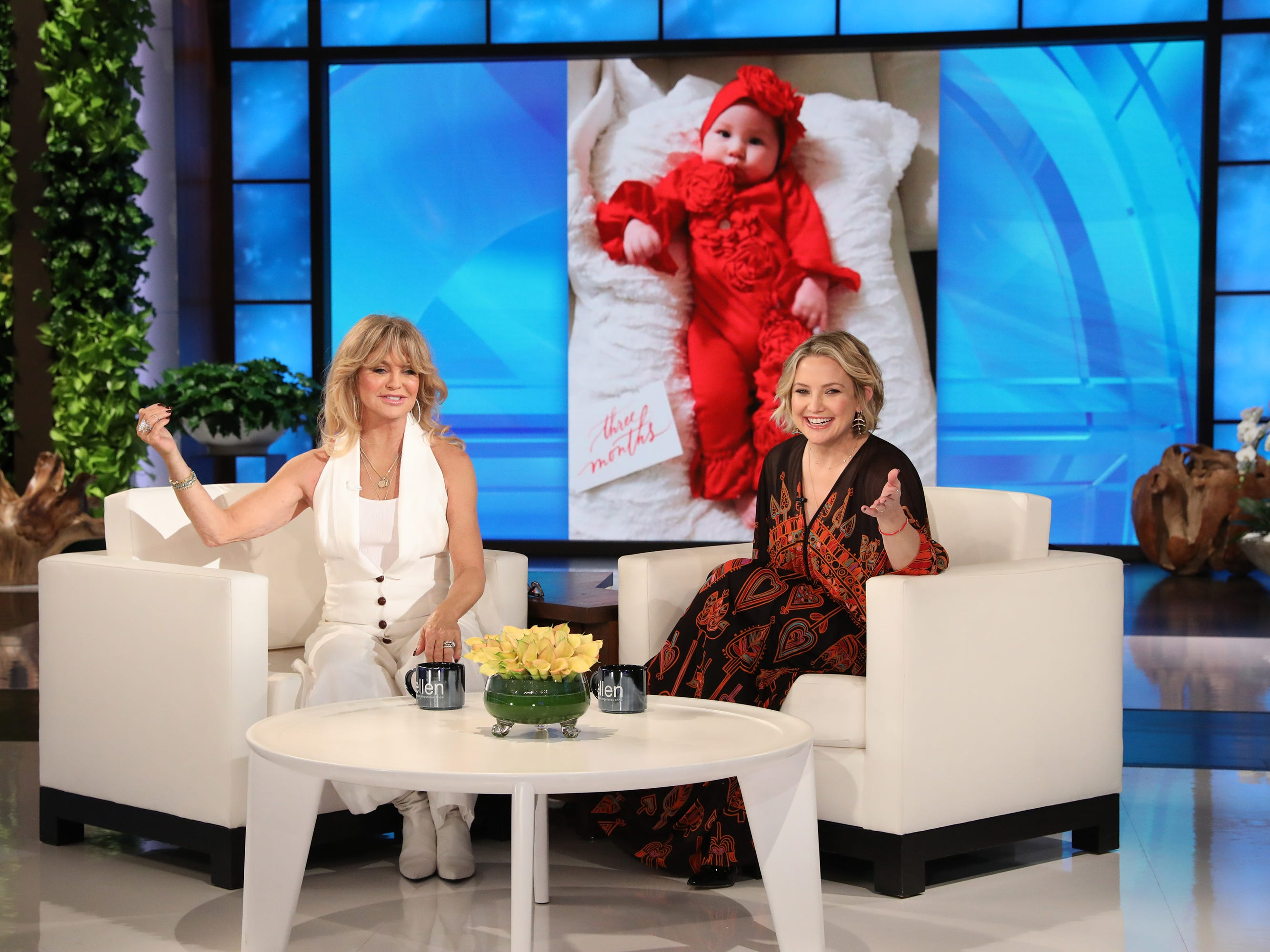 Kate Hudson says mom Goldie Hawn was 'right in there' during delivery of baby Rani Rose