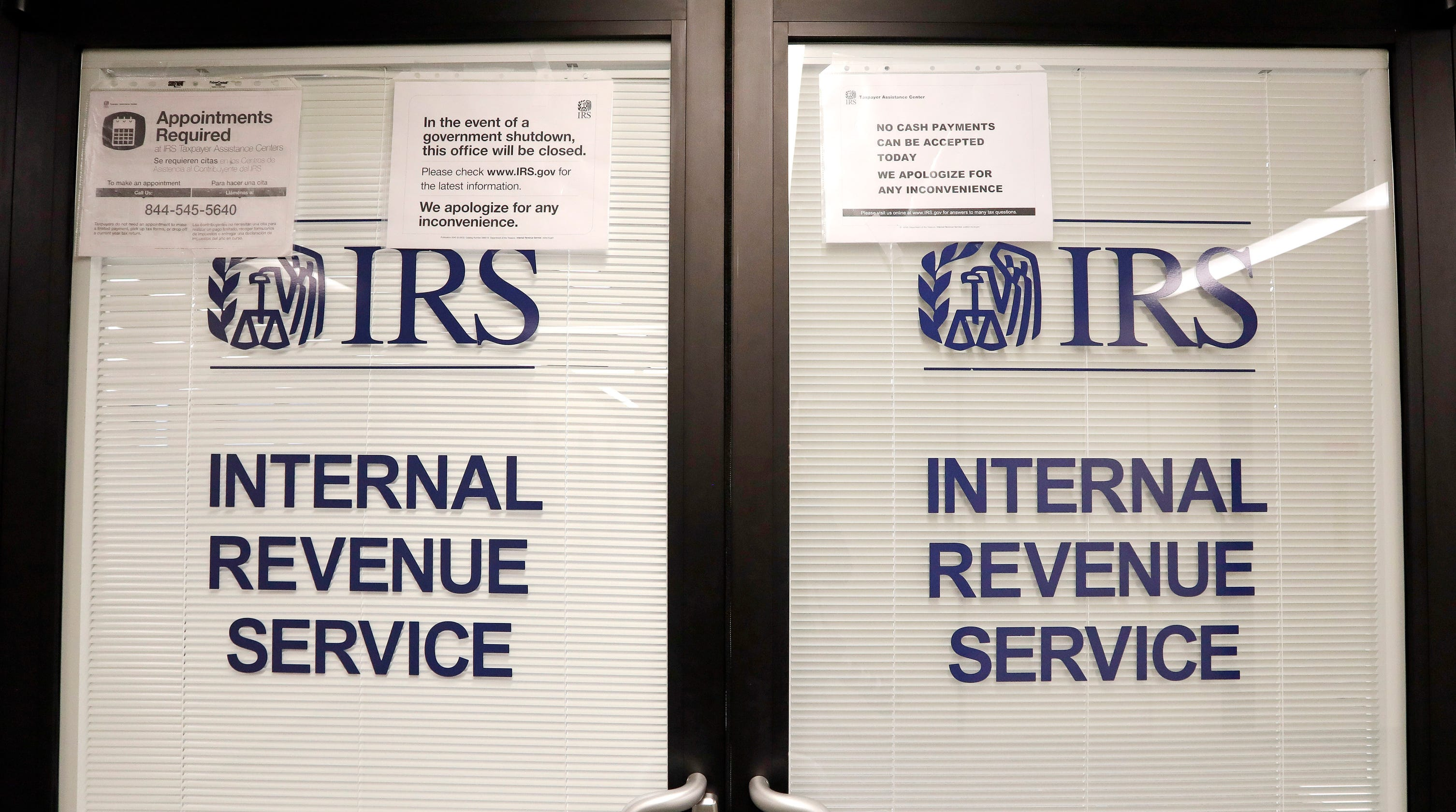 Government Shutdown Stymied Frozen Tax Refunds Irs Phone Lines Report Shows