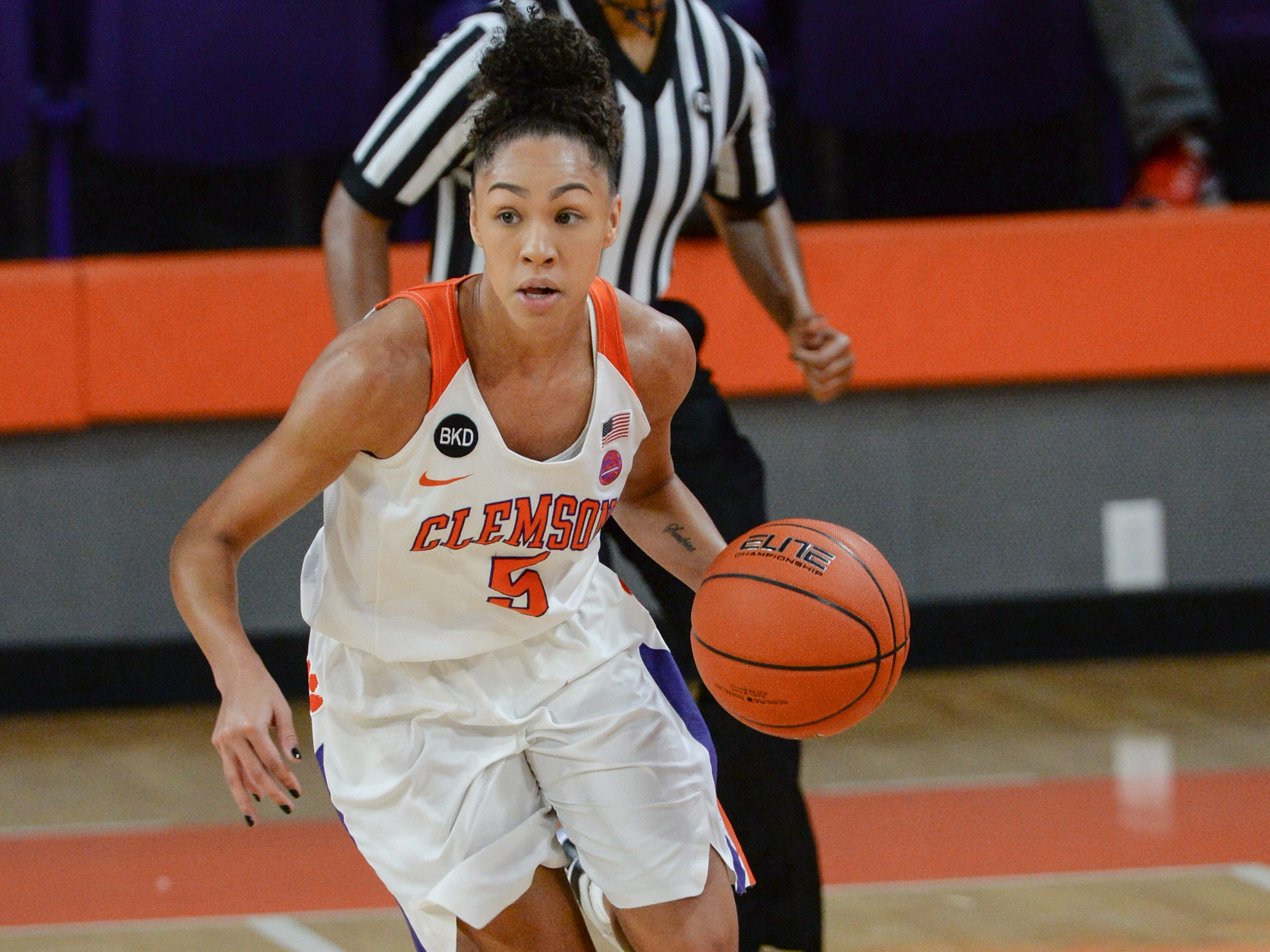 Clemson guard Danielle Edwards(5) dribbles playing Georgia Tech during the second quarter at Littlejohn Coliseum in Clemson Thursday, January 17, 2019.