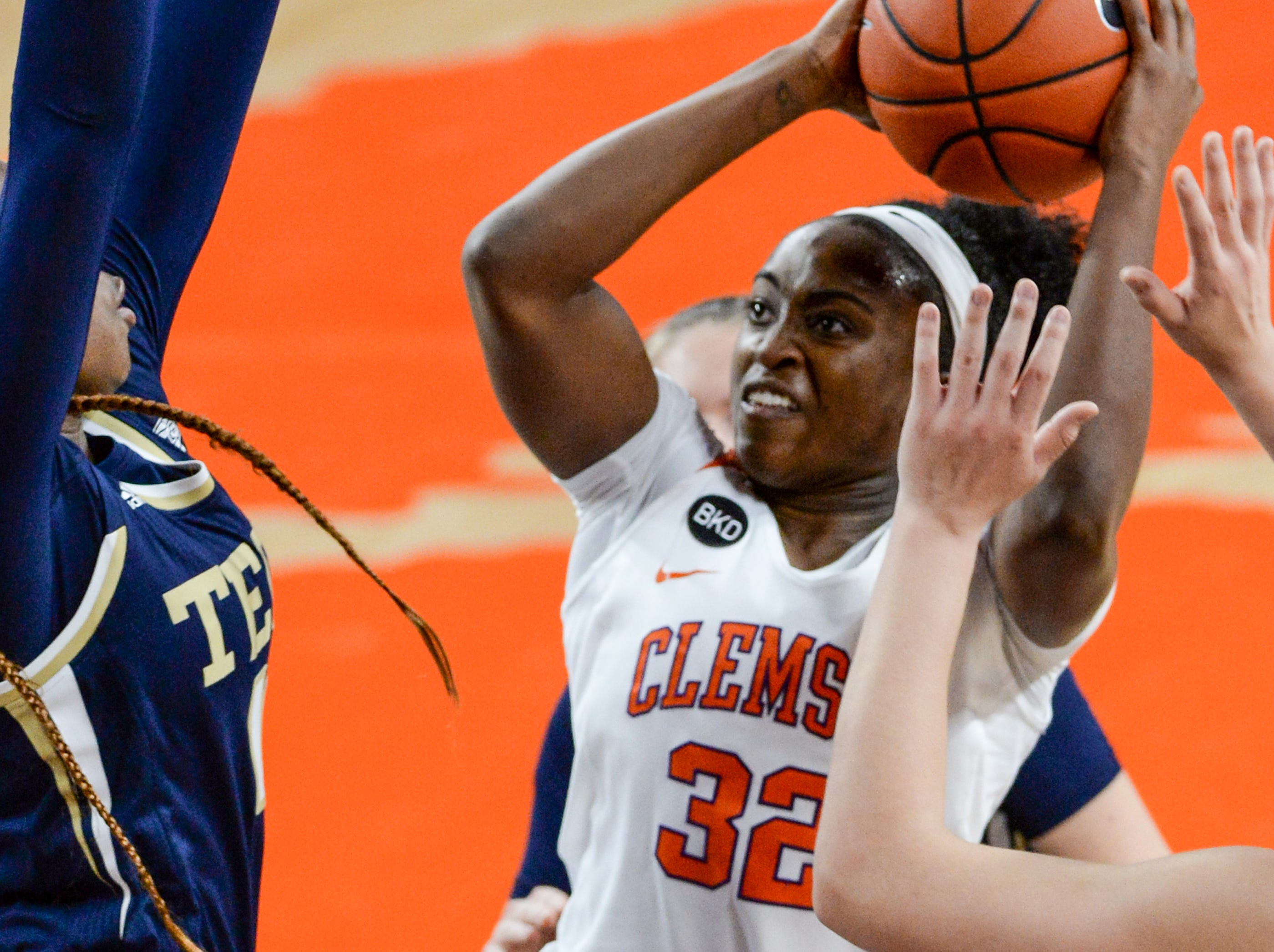 Clemson guard Chyna Cotton(32) shoots against Georgia Tech during the first quarter at Littlejohn Coliseum in Clemson Thursday, January 17, 2019.